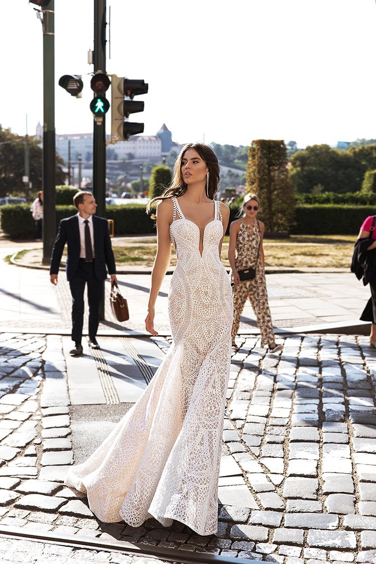 glamour wedding dress